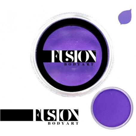 Maquillaje artístico púrpura real oscuro Fusion